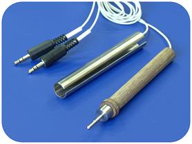 Опорный трубчатый электрод и одиночный лечебный электрод карандашного типа.